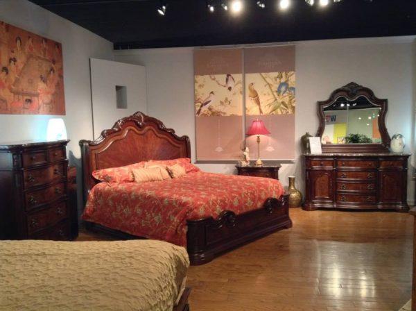 Rose Betten mit Nachttischen